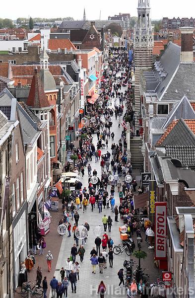Nederland  Alkmaar -  Oktoberr 2018. Winkelen in Alkmaar. De Langestraat.  Foto Berlinda van Dam / Hollandse Hoogte