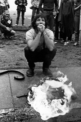 Ex marine Captain John David Borgman asks forgiveness for Vietnam burning his uniform at the Pentagon April 1980