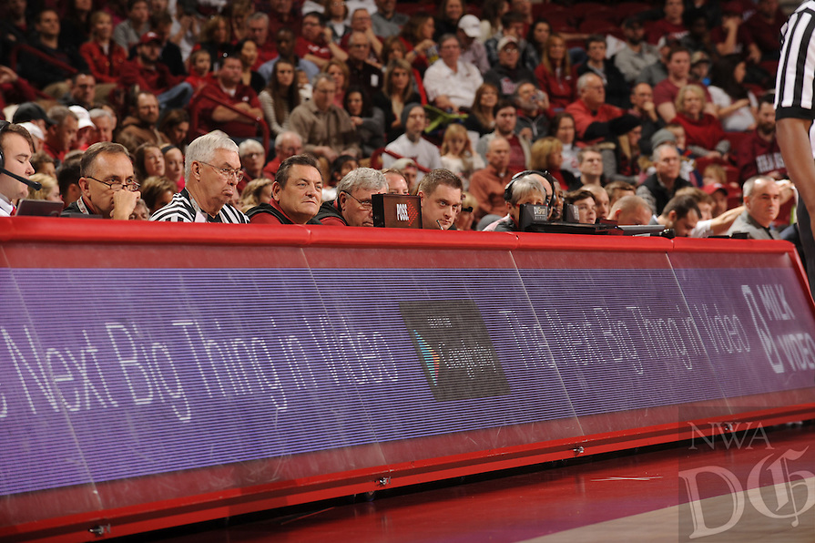 NWA Media/ANDY SHUPE - Arkansas and Northwestern State play during the Razorbacks' 100-92 win Sunday, Dec. 28, 2014, in Bud Walton Arena in Fayetteville.