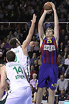 Euroleague el FC Barcelona guanya 83 -82 al Panathinaikos en el primer partit del playoff. A la foto Lorbek tira desde la linea de tres punts