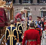 Nederland, Den Haag , 15-09-2009 PRINSJESDAG Koningin Beatrix ,prinses Maxima en prins Willem Alexander komen aan bij de Ridderzaal waar de koningin later met de troonrede het nieuwe parlementaire jaar zal openen. Netherlands , The Hague , september 16 , PRINCE'S DAY Dutch Queen  Beatrix ,princess Maxima and prince Willem Alexander arrive at the parliament. Queen Beatrix will speak later during the Presentation of the Dutch 2008 Budget  Memorandum and the opening of the Dutch Parliamenttary Year.FOTO: Gerard Til