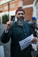 London, 28/11/2014. Today, &quot;Britain First&quot; and Anjem Choudary and his supporters clashed outside the Egyptian Embassy in London. ...<br />