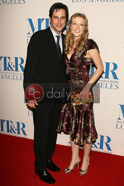 Jonathan Silverman and Jennifer Finnigan<br />at The Museum of Television & Radio's Annual Los Angeles Gala. Regent Beverly Wilshire Hotel, Beverly Hills, CA. 10-30-06<br />Dave Edwards/DailyCeleb.com 818-249-4998