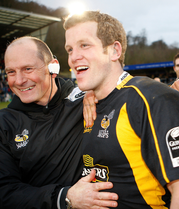 Photo: Richard Lane/Richard Lane Photography. .London Wasps v Bristol Rugby. Guinness Premiership. 23/02/3008. Wasps' Dave Walder celebrates converting the match winning kick with kicking coach, Rowley Williams (lt).