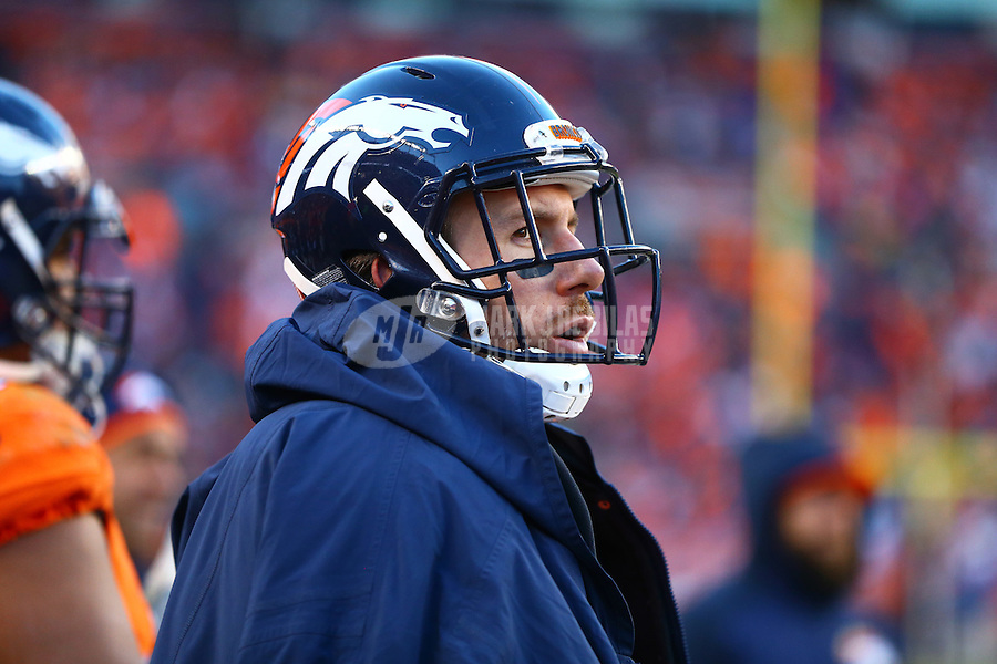 Jan 17, 2016; Denver, CO, USA; Denver Broncos tight end Owen Daniels (81) against the Pittsburgh Steelers during the AFC Divisional round playoff game at Sports Authority Field at Mile High. Mandatory Credit: Mark J. Rebilas-USA TODAY Sports