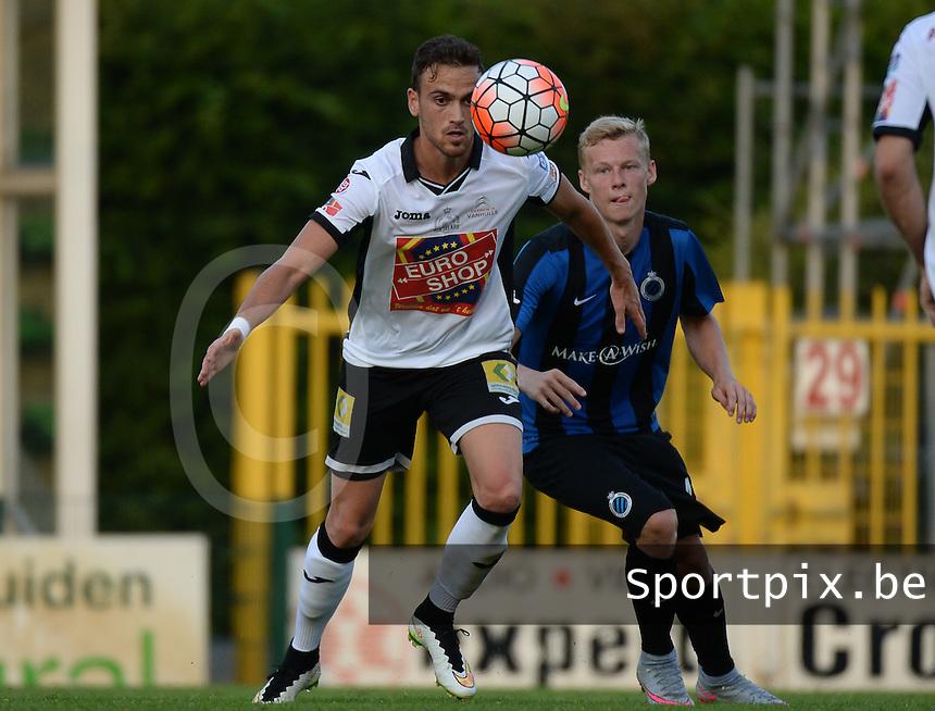 KSV Roeselare - Club Brugge KV : Franco Zennaro (links) aan de bal voor Nikola Storm (r) <br /> foto VDB / BART VANDENBROUCKE