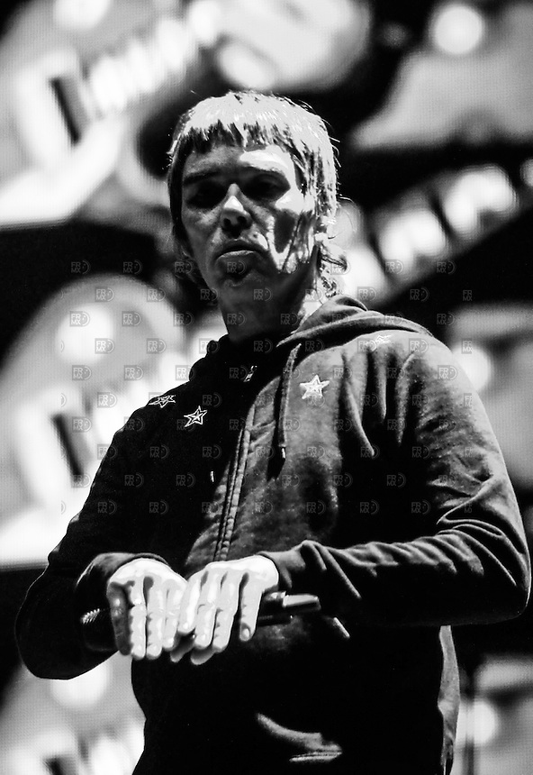 300413. California, Estados Unidos,- The Stone Roses  durante su presentación en el primer día del Festival de música Coachella 2013 en Indio, California. NOTIMEX/FOTO/ALEJANDRO MELENDEZ/AMO/ACE/