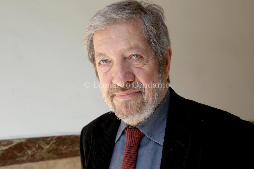 Paolo Mauri è nato a Milano nel 1945. Italian writer, critico letterario e storico della letteratura, è autore di studi su Carlo Porta e Luigi Malerba . Milano, marzo 2012. © Leonardo Cendamo