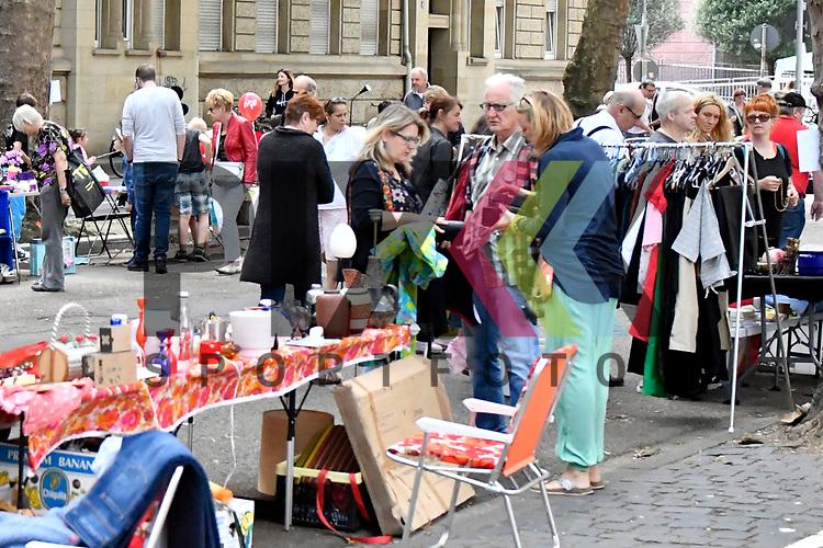 Mannheim 15.07.17 Beginn des Stadtteilfestes Schwetzingerstadt/Oststadt in der Otto-Beck-Strasse im Bild der kleine Flohmarkt.<br /> <br /> Foto &copy; Ruffler For editorial use only. (Bild ist honorarpflichtig - No Model Release!)