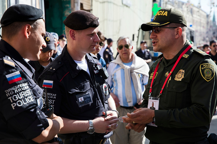 Moscow, Russia, 15/06/2018.<br /> Columbian and Russian police with soccer fans in central Moscow during the 2018 FIFA World Cup.