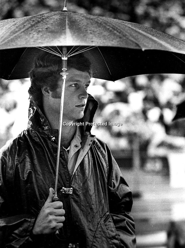 U.C Berkeley football quarterback Joe Roth on the sideline during Cal game 1976. Roth died of cancer in 1977. (photo/Ron Riesterer)
