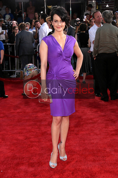 """Carla Gugino<br />at the World Premiere of """"Get Smart"""". Mann Village Theatre, Westwood, CA. 06-16-08<br />Dave Edwards/DailyCeleb.com 818-249-4998"""