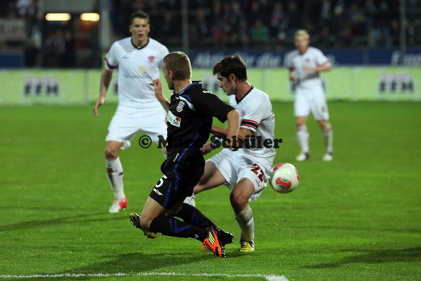 Alexander Huber (FSV) gegen Fin Bartels (Pauli)