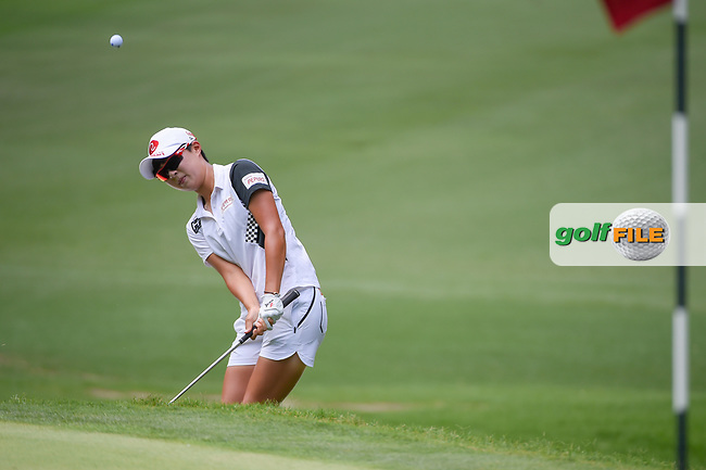 Hyo Joo Kim (KOR) chips on to 2 during round 4 of the U.S. Women's Open Championship, Shoal Creek Country Club, at Birmingham, Alabama, USA. 6/3/2018.<br /> Picture: Golffile | Ken Murray<br /> <br /> All photo usage must carry mandatory copyright credit (© Golffile | Ken Murray)