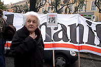 Roma 19 febbraio 2005.Manifestazione per la liberazione di Giuliana Sgrena e il ritiro delle truppe dall'Irak.Rossana Rossanda Fondatrice del quotidiano comunista Il Manifesto.Rome 19 February 2005.Demonstration for the release of Giuliana Sgrena and the withdrawal of troops from Iraq.Rossana Rossanda Founder of the Communist newspaper Il Manifesto