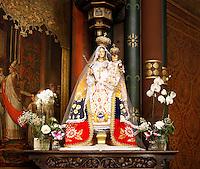 Nederland  Amsterdam  2016 05 29.  Beeld van Maria in de Onze Lieve Vrouwekerk.  Foto Berlinda van Dam / Hollandse Hoogte.