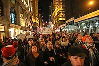 NEW YORK,NY, 12.11.2016 - PROTESTO-NEW YORK - Manifestantes contrario a vitória de Donald J. Trump nas eleições norte-americana durante protesto em Manhattan em New York nos Estados Unidos neste sábado, 12. (Foto: William Volcov/Brazil Photo Press)