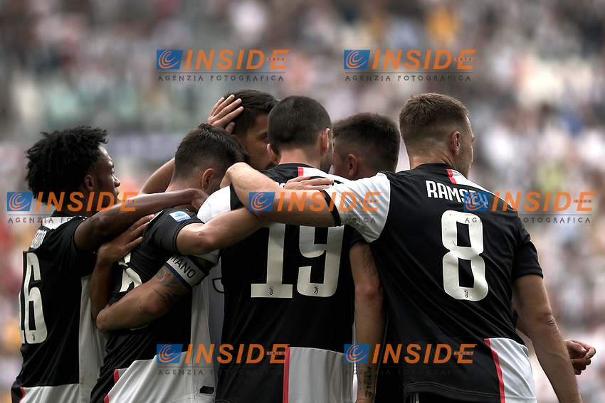 Miralem Pjanic of Juventus celebrates with team mates  after scoring the goal of 1-0 for his side <br /> Torino 28/09/2019 Allianz Stadium <br /> Football Serie A 2019/2020 <br /> Juventus FC - SPAL <br /> Photo OnePlusNine / Insidefoto