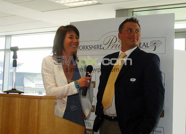 Pix: Simon Wilkinson/SWpix.com. Yorkshire Cricket pre season lunch at Headingley Carnegie. 12/04/07..copyright picture>>simon wilkinson>>07811267706>>..Darren Gough and Tanya Arnold