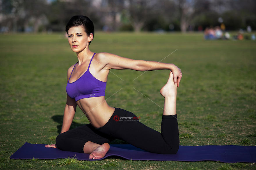 Hundreds of locals enjoy their favorite fitness and recreation activities at Zilker Park each day.  The combination of excellent amenities, ideal weather and beautiful views make it an ideal place to exercise and practice yoga.