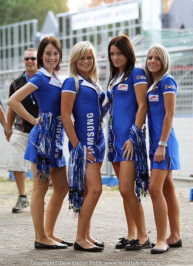 Samsung grid girls during practice day of the Aussie V8 Supercars Round Two - Hamilton 400 at Frankton, Hamilton, New Zealand on Friday, 17 April 2009. Photo: Dave Lintott / lintottphoto.co.nz