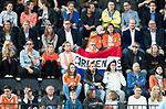AMSTELVEEN -  Supporters van Carlien Dirkse van den Heuvel (Ned)   tijdens Nederland - Spanje (dames) bij de Rabo EuroHockey Championships 2017.  COPYRIGHT KOEN SUYK