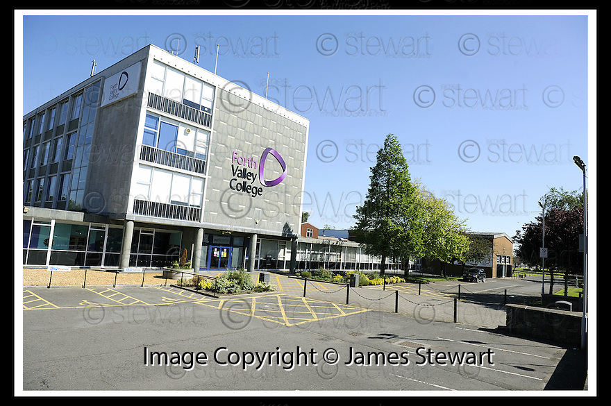 01/06/2008   Copyright Pic: James Stewart.File Name : sct_jspa04_falkirk.GENERAL VIEW OF FORTH VALLEY COLLEGE.... THE NEARBY FALKIRK GATEWAY HELIX PROJECT WAS DELAYED FOR 6 MONTHS AFTER A JANITOR AT THE  COLLEGE CLAIMED TO HAVE SPOTTED A GREAT CRESTED NEWT....James Stewart Photo Agency 19 Carronlea Drive, Falkirk. FK2 8DN      Vat Reg No. 607 6932 25.Studio      : +44 (0)1324 611191 .Mobile      : +44 (0)7721 416997.E-mail  :  jim@jspa.co.uk.If you require further information then contact Jim Stewart on any of the numbers above........