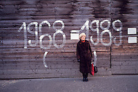 November 22, 1989. Czechoslovakia. A graffity remembering the crushing of Prague Spring. (Photo Heimo Aga)
