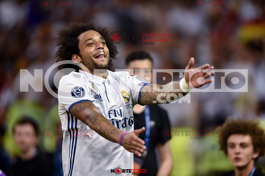 Marcelo of Real Madrid Celebrate the winning of the Champions League during the UEFA Champions League Final match between Real Madrid and Juventus at the National Stadium of Wales, Cardiff, Wales on 3 June 2017. Photo by Giuseppe Maffia.<br /> <br /> Giuseppe Maffia/UK Sports Pics Ltd/Alterphotos /nortephoto.com