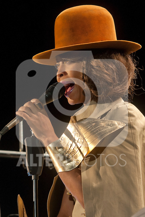 Erykah Badu in concert .July 17, 2012. (ALTERPHOTOS/Ricky)