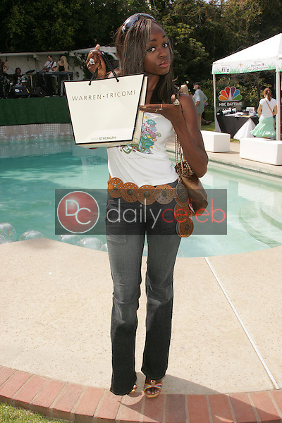 """Nzinga Blake<br />at the W Hollywood Yard Sale Presented by Guess benefitting """"Clothes Off Our Back"""". Private Residence, Brentwood, CA. 09-17-05<br />Dave Edwards/DailyCeleb.Com 818-249-4998"""