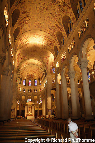Interior of Sanite-Anne de Beaupre's Basilica