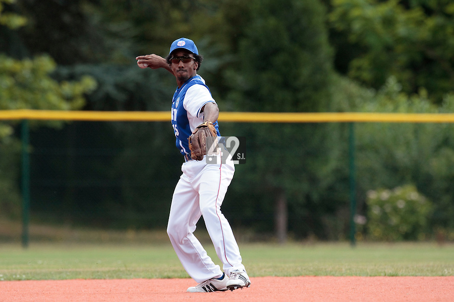 15 July 2010: Felix Brown of Team Saint Martin throws the ball to first base during day 3 of the Open de Rouen, an international tournament with Team France, Team Saint Martin, Team All Star Elite, at Stade Pierre Rolland, in Rouen, France.