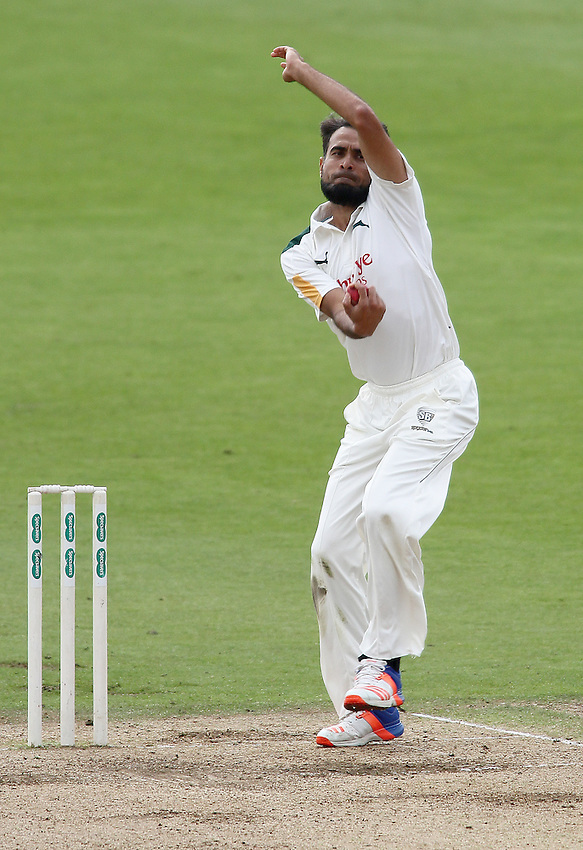 Nottinghamshire's Imran Tahir <br /> <br /> Photographer Mick Walker/CameraSport<br /> <br /> County Cricket - Specsavers County Championship Division One - Day 2 - Nottinghamshire v Middlesex - Wednesday 7 September 2016 - Trent Bridge - Nottingham<br /> <br /> World Copyright &copy; 2016 CameraSport. All rights reserved. 43 Linden Ave. Countesthorpe. Leicester. England. LE8 5PG - Tel: +44 (0) 116 277 4147 - admin@camerasport.com - www.camerasport.com