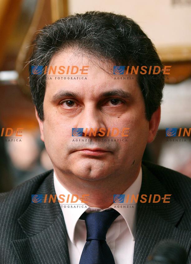 Roma 16 02 2006 Conferenza Stampa di Alternativa Sociale<br /> Nella foto Roberto Fiore<br /> Photo Serena Cremaschi Insidefoto