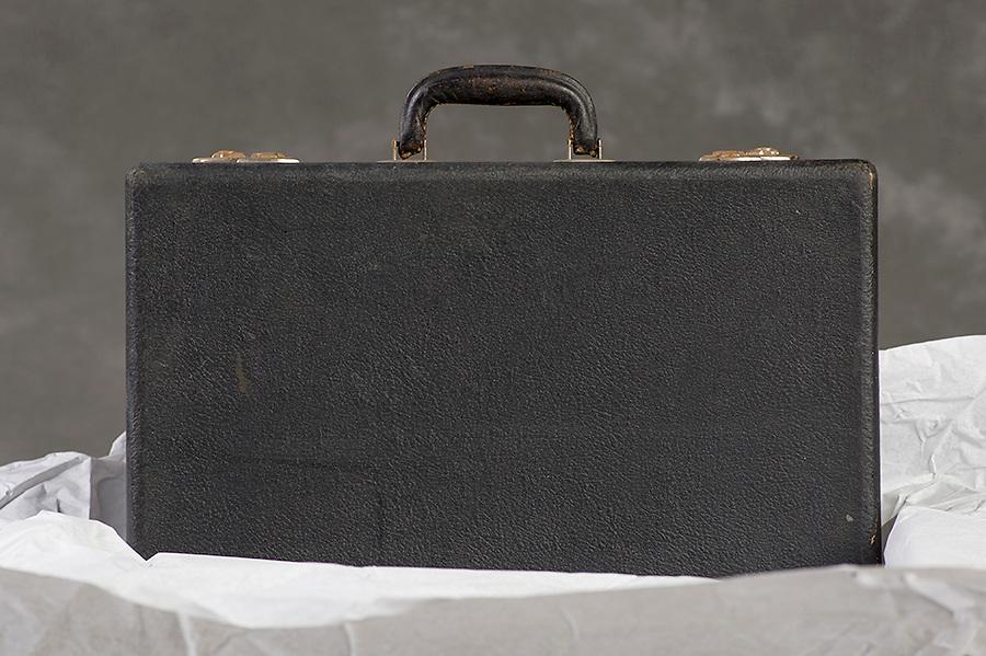 Willard Suitcases / Katie T / ©2014 Jon Crispin
