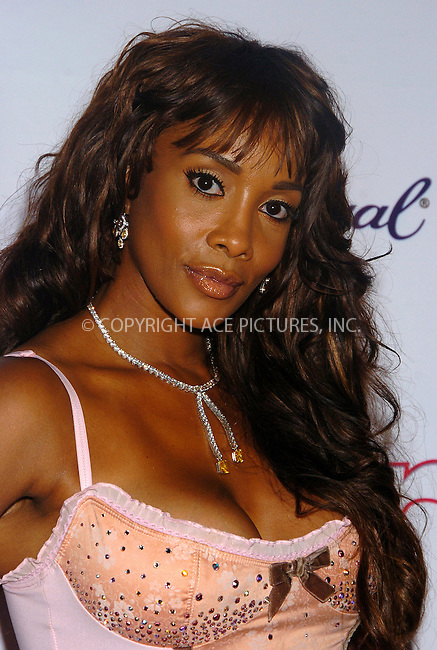 WWW.ACEPIXS.COM . . . . .  ....MIAMI, AUGUST 28, 2005....Vivica Fox at the Island Def Jam VMA 2005 Afterparty at Mansion and sponsored by Star Magazine.....Please byline: AJ Sokalner - ACE PICTURES..... *** ***..Ace Pictures, Inc:  ..Craig Ashby (212) 243-8787..e-mail: picturedesk@acepixs.com..web: http://www.acepixs.com