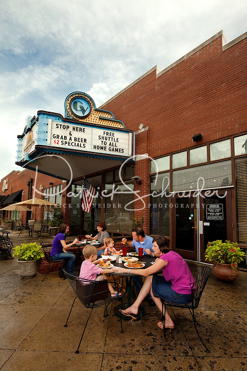 Family-friendly dining outdoors at Dilworth Neighborhood Grill in Charlotte NC.