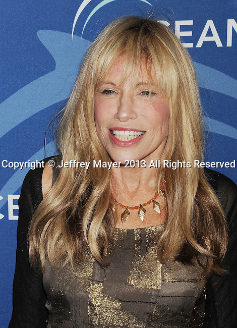 BEVERLY HILLS, CA- OCTOBER 30: Singer Carly Simon arrives at the Oceana Partners Award Gala With Former Secretary Of State Hillary Rodham Clinton and HBO CEO Richard Plepler at Regent Beverly Wilshire Hotel on October 30, 2013 in Beverly Hills, California.