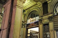 - Milan, bank Cesare Ponti in Duomo square....- Milano, banca Cesare Ponti in piazza del Duomo