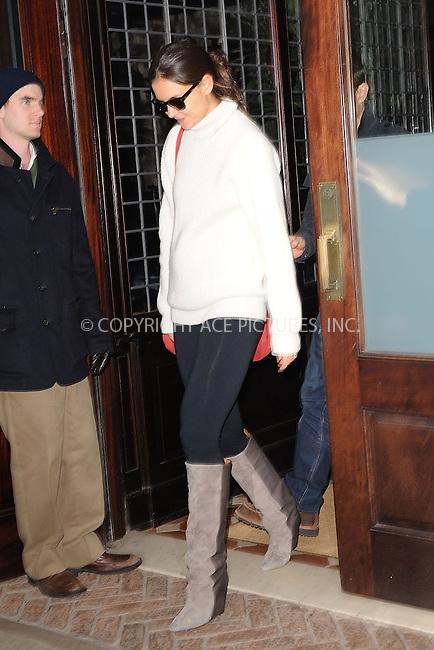 WWW.ACEPIXS.COM . . . . . .December 17, 2011...New York City....Katie Holmes leaves her hotel on December 17, 2011 in New York City.....Please byline: KRISTIN CALLAHAN - ACEPIXS.COM.. . . . . . ..Ace Pictures, Inc: ..tel: (212) 243 8787 or (646) 769 0430..e-mail: info@acepixs.com..web: http://www.acepixs.com .