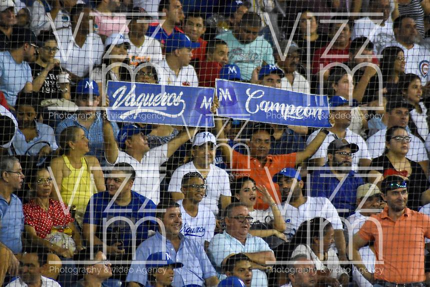 MONTERIA - COLOMBIA, 14-01-2020: Vaqueros de Montería y Gigantes de Barranquilla en partido 3 de la serie final de la Liga Profesional de Béisbol Colombiano temporada 2019-2020 jugado en el estadio estadio Dieciocho de Junio de la ciudad de Montería. / Vaqueros de Monteria and Gigantes de Barranquilla in match 3 final serie as part Colombian Baseball Professional League season 2019-2020 played at Baseball Stadium on June 18 in Monteria city. Photo: VizzorImage / Andres Felipe Lopez / Cont