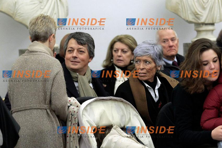 L'ultima moglie di Foa', Anna con la seconda moglie <br /> Roma 13-01-2014 Campidoglio. Camera ardente e funerali laici per Arnoldo Foa', morto a 98 anni.<br /> Photo Samantha Zucchi Insidefoto