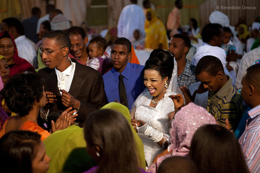 January 3, 2011 - Khartoum, Sudan - Relatives and friends celebrate a modern muslim wedding in Khartoum, Sudan. Photo credit: Benedicte Desrus