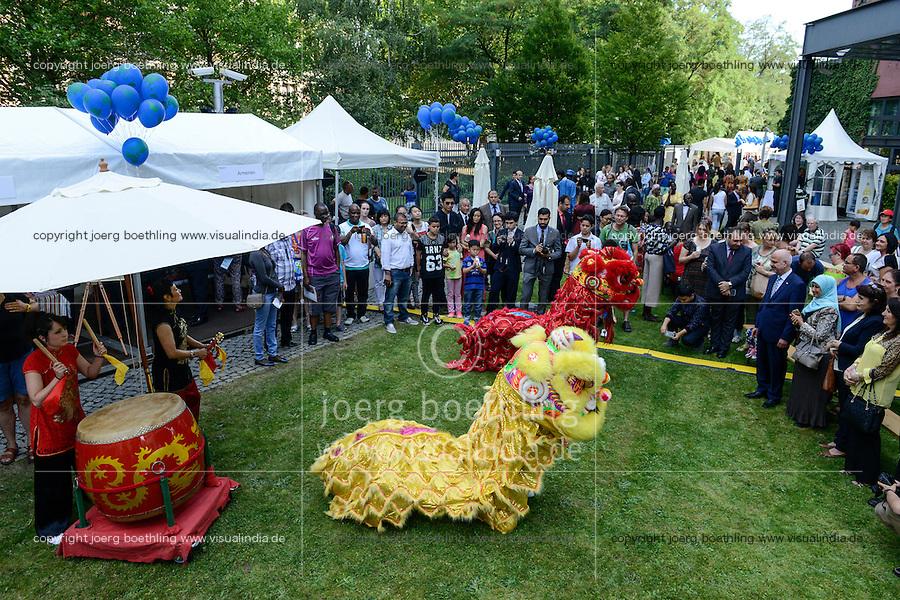 BMZ Tag der offenen Tür 2015, Hauptbühne, Festtanz-Drachentanz, China