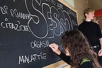 Educazione sessuale tra pari al liceo Cremona. Milano, 21 gennaio, 2008<br /> <br /> Sex education peer to peer. Milan, Genuary 21, 2008