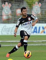 SÃO PAULO,SP, 02.09.2013 TREINO/CORINTHIANS/SP - Maldonado durante treino do Corinthians no CT Joaquim Grava na zona leste de Sao Paulo. (Foto: Alan Morici /Brazil Photo Press).