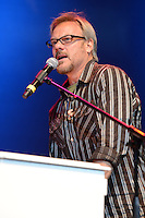 HOLLYWOOD FL - OCTOBER 21 : Phil Vassar performs at Hard Rock live during the 99.9 KISS Country Stars N Guitars concert held at the Seminole Hard Rock hotel & Casino on October 21, 2012 in Hollywood, Florida.  Credit: mpi04/MediaPunch Inc. /NortePhoto