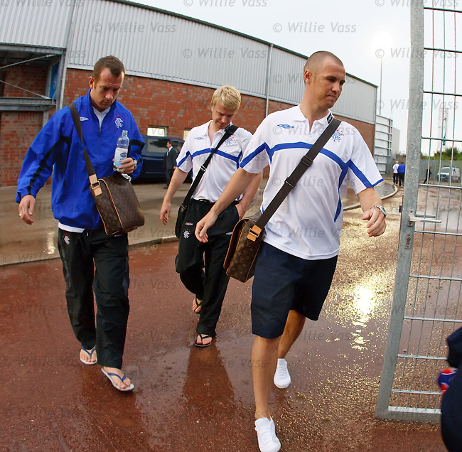 Charlie Adam, Steven Smith and Kenny Miller leave for the team bus