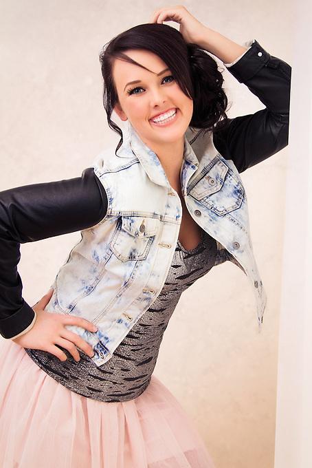 model: Shelby Skelton